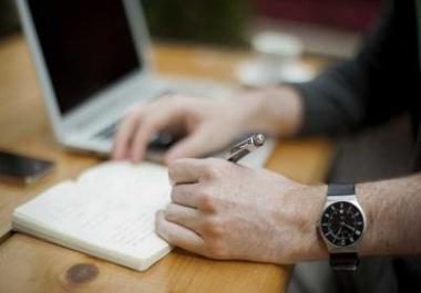 كتابة مقالات واسكريبتات ومنشورات وسيناريوهات