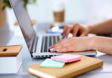 كتابة صفحات و تفريغ الملفات الصوتية والمذكرات المكتوبة يدويٌا في ملف word