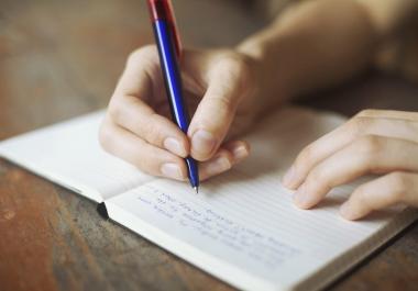 تلخيص المقالات او الكتب المكتوبة باللغة العربية او الانجليزية