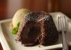 طريقه عمل المولتن كيك  كيكه الشوكولاته الرائعه المحشوه بالشوكولاته الساخنه