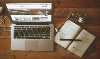 صورة موقعك او اي صورة تريد ضمن جهاز لابتوب Mac أحترافية