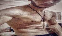 تدريب المبتدئين في رياضه كمال الاجسام و السويدي و قرصات لذياده الوزن و علاج النحافه و التضخيم
