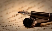 كتابة أو ترجمة مقالات من صفحة إلي خمس صفحات باللغتين الإنجليزية و العربية