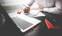 تحرير نصوص وتعديلها وكتابة تدوينات و مقالات احترافية