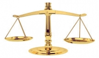 بتقديم كافة الأستشارات القانونية بكافة المجالات النظامية والشرعية والعقارات في كافة القوانين