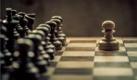 تعلم الشطرنج عبر شرح مباشر