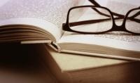 كتابة و ترجمة اي مقال او كتابة عربية او انجليزية  عمل الأبحاث الدراسية والعلمية