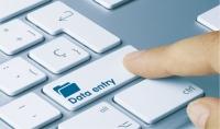 إدخال بيانات على قواعد البيانات بدقة وسرعة عالية