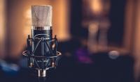 خدمة تسجيل صوتي أنثوي