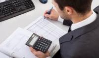 عمل جميع التقارير المالية والمحاسبية الشهرية والسنوية