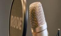 غناء اغاني بكلمات مختلفه تناسبك
