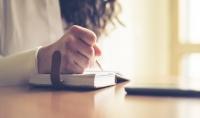 كتابة نصوص إبداعية  أدبية  دعائية  علمية  وتدقيق لغوي  وخواطر