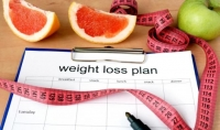 كتابة برنامج رياضي وغذائي ومتابعة يومية للحفاظ على اللياقة