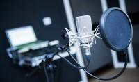 سوف اسجل لك 4 مقاطع صوتية بجودة عالية  مقطع صوتي مجاني في يوم واحد