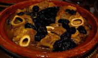 كيفية تحضير الطاجين المغربي باللحم والبرقوق