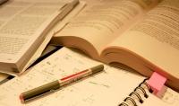 كتابة مقالات باللغة العربية أوباللغة الإنكليزية عن أي موضوع أدبي أوعلمي