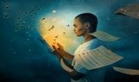 تصميم صورة خيالية وأنت تقرأ كتاباً