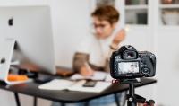 موسيقى و فيديوهات و لوجوهات سوشيال ميديا و لوجو لقناتك و مؤثرات انتقالية و مؤثرات صوتية
