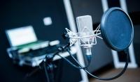 التعليق الصوتي الاحترافي  والتفريغ الصوتي للفيديوهات إلى نصوص