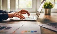 صناعة محتوى هادف و فريد   كتابة مقالتين من 1000 كلمة حسب معيار SEO