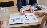 تقديم الاستشارات المالية والمحاسبية والضريبية